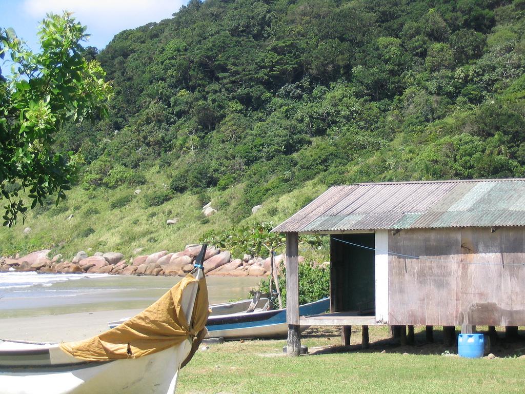 Paraíso intocado, a Ilha do Cardoso é um dos lugares para viajar perto de SP para quem busca natureza.