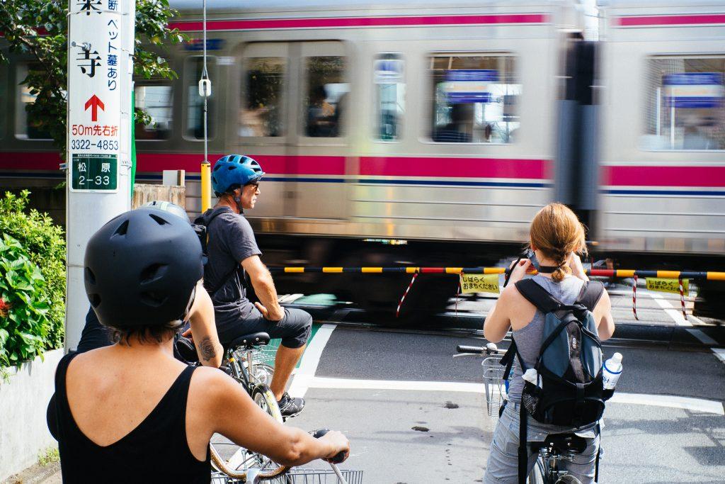 Trem em Tóquio. Foto: Ola Persson