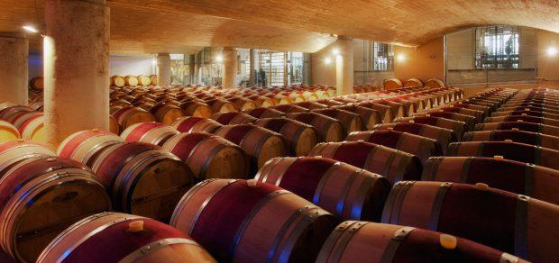 Os barris ficam à mostra na vinícola Delaire Graff, África do Sul - foto: divulgação