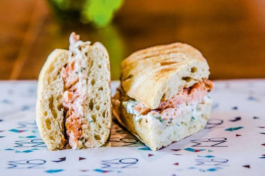 mano sanduíche, salmão, baixo pinheiros, restaurante nou