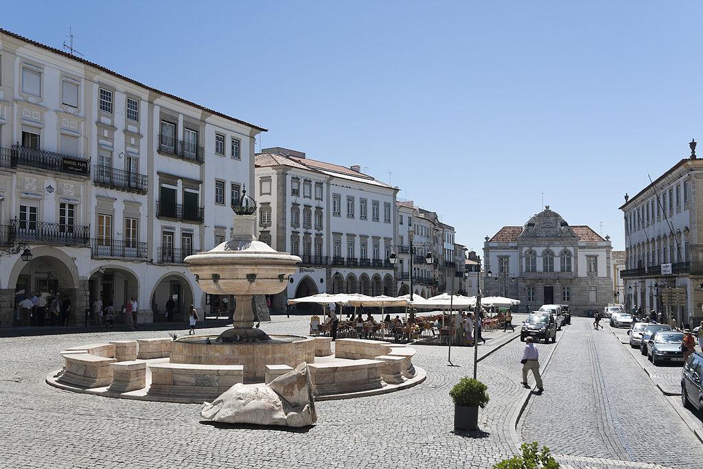 praça do giraldo, évora, alentejo, portugal