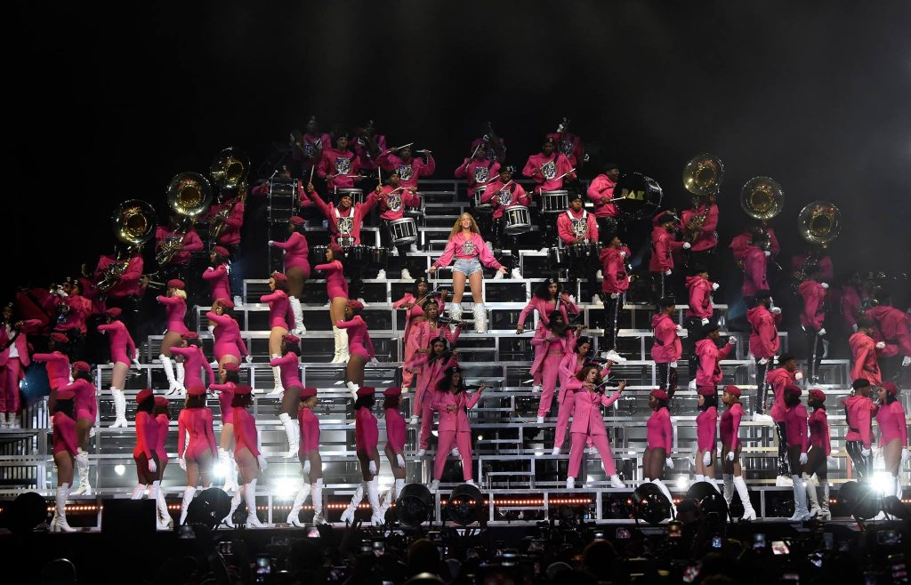 Beyonce na sua entrada triunfal no Coachella 2018 - finde 2