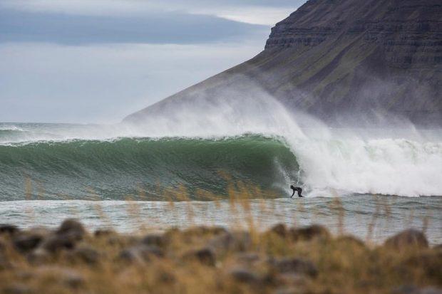 Heidar Logi, o primeiro surfista profissional da Islândia
