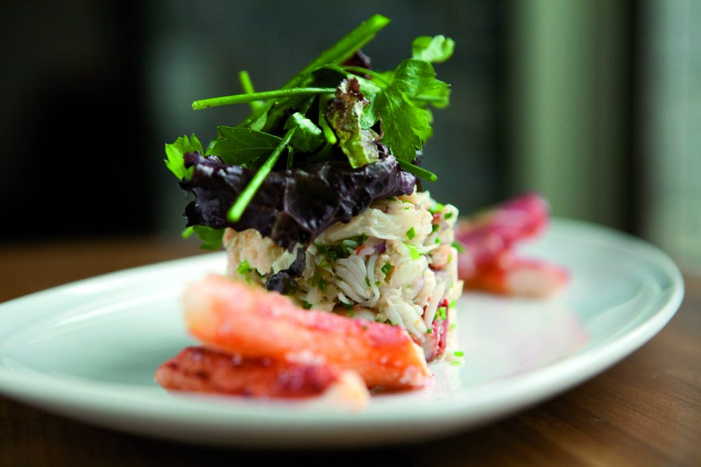 O prato Centolla no restaurante La Cravia - Arakur Ushuaia. Foto: divulgação
