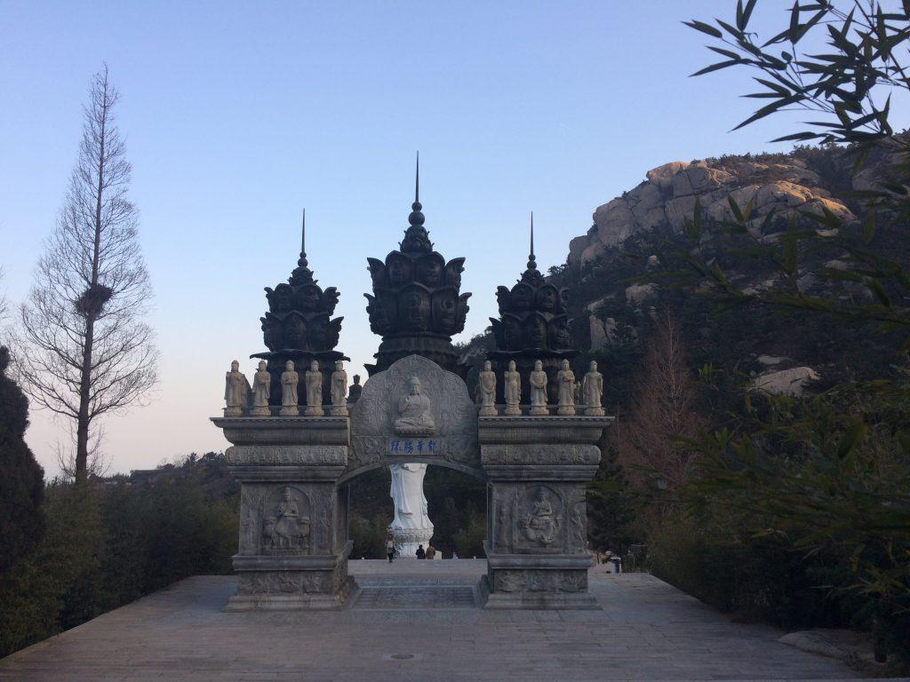 Laoshan e suas estátuas e templos