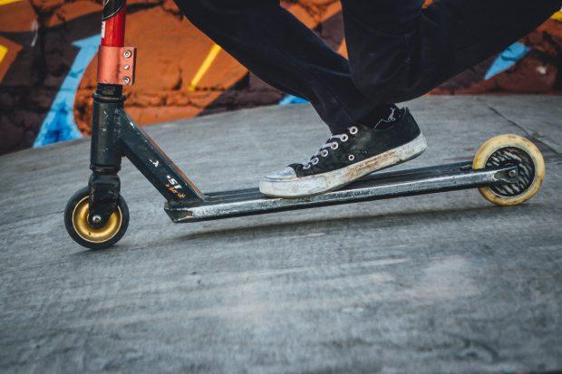 Como alugar patinetes elétricas compartilhadas no Rio e em São Paulo