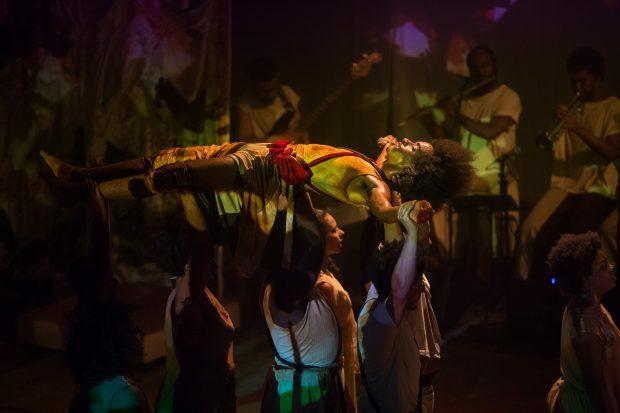 Espetáculo Anonimato, Cia Treme Terra. Foto: divulgação