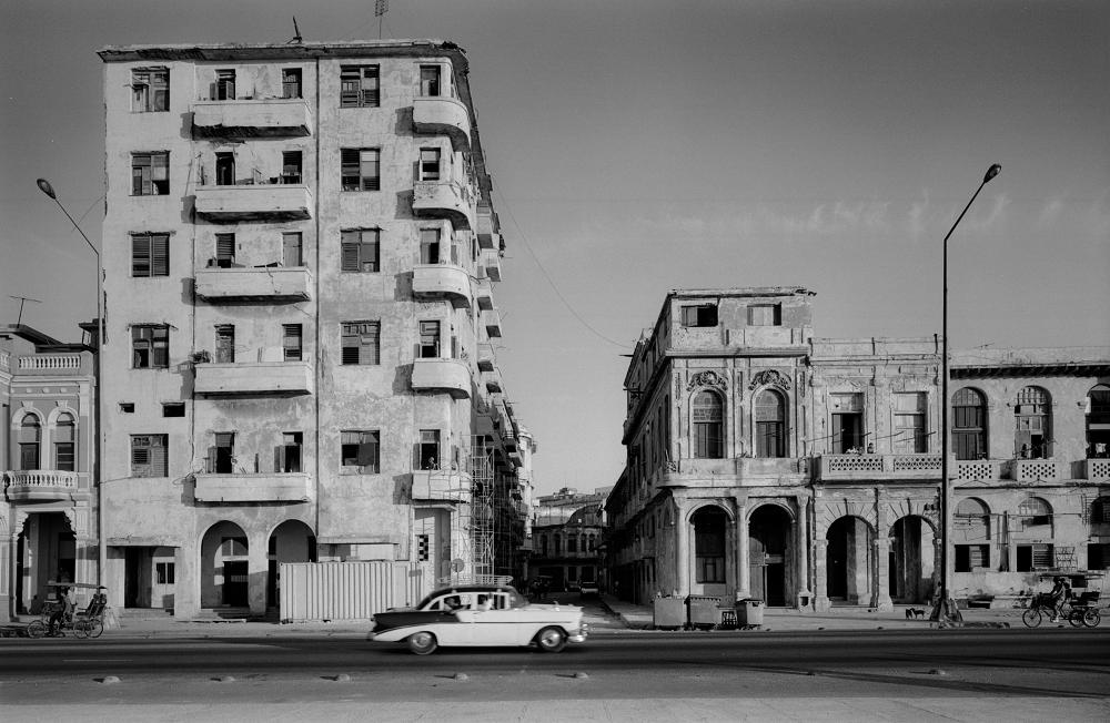 El Malecón, Havana, 2000, por Cristiano Mascaro, no Sesc Pinheiros