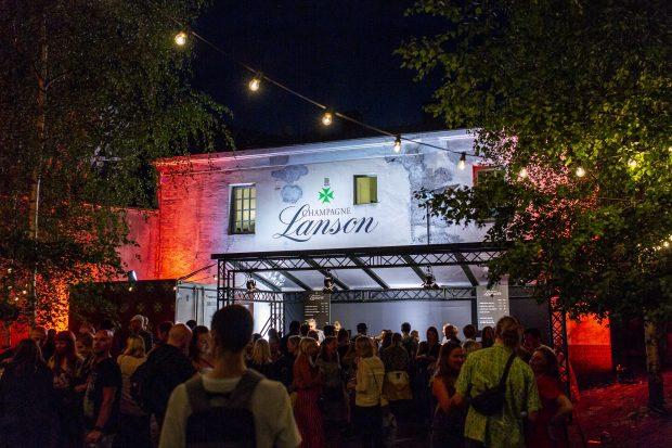 Flow Festival (Helsinki, Finlândia) - Bar de Champagne. Foto: Samuli Pentti / divulgação