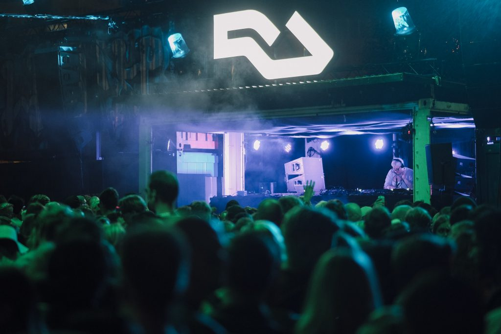 The Black Madonna no palco do Resident Advisor: Konstantin Kondrukhov / Flow Festival