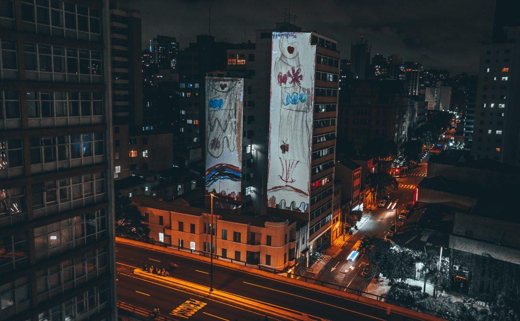O Festival de Luzes de São Paulo, organizado pela Visualfarm, faz sua segunda edição em outubro ocupando diversos espaços da cidade.