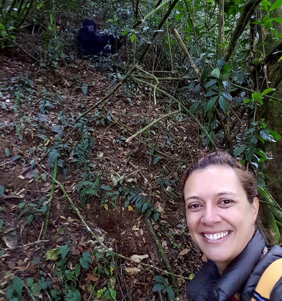 Meu encontro com um gorila em Uganda, por Juliana Aquino