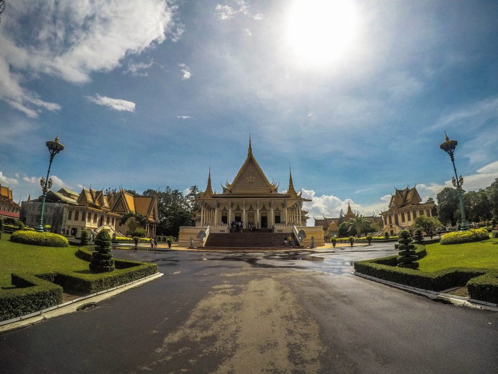 Royal Palace em Phnom Penh. Foto por Unsplash.