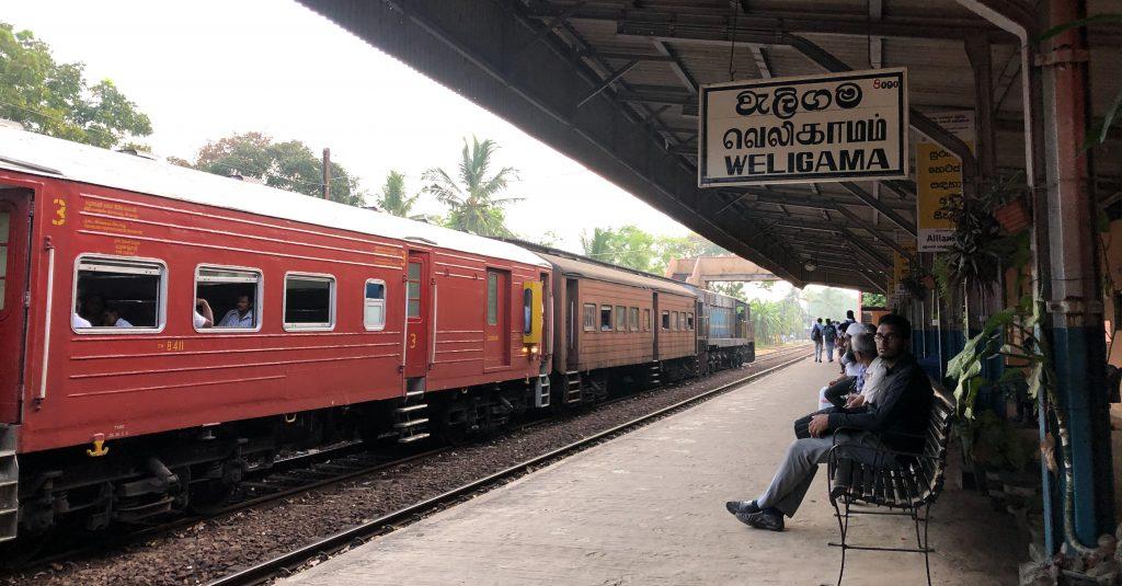 Viagem de trem pelo Sri Lanka