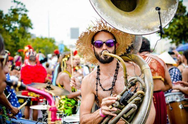 Carnaval de rua São Paulo, Orquestra Voadora, blocos de rua