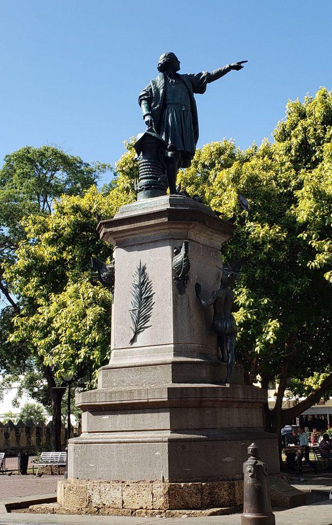 Estátua de Cristóvão Colombo no Parque Colón - Foto: Jo Machado