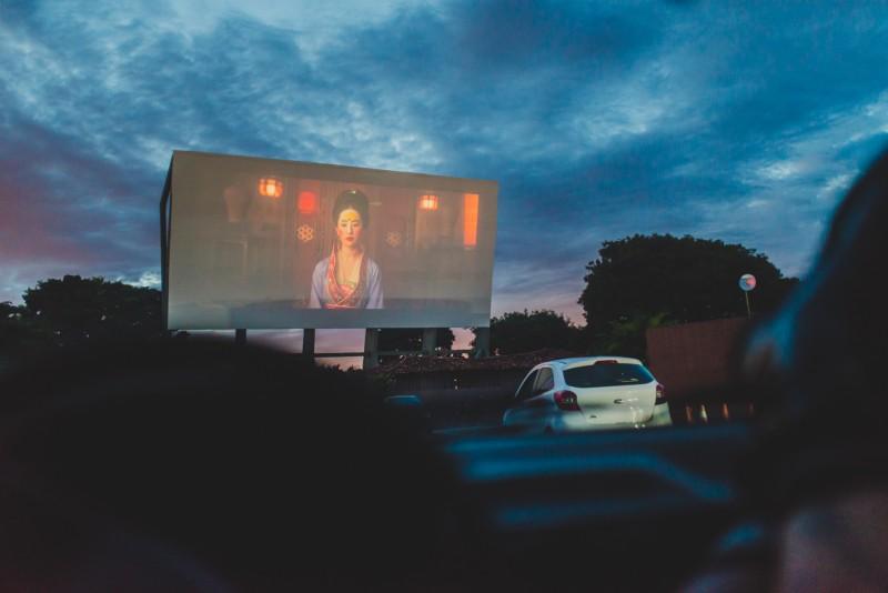 Cine Brasília, o mais antigo cinema drive-in do Brasil, inaugurado em 1975.