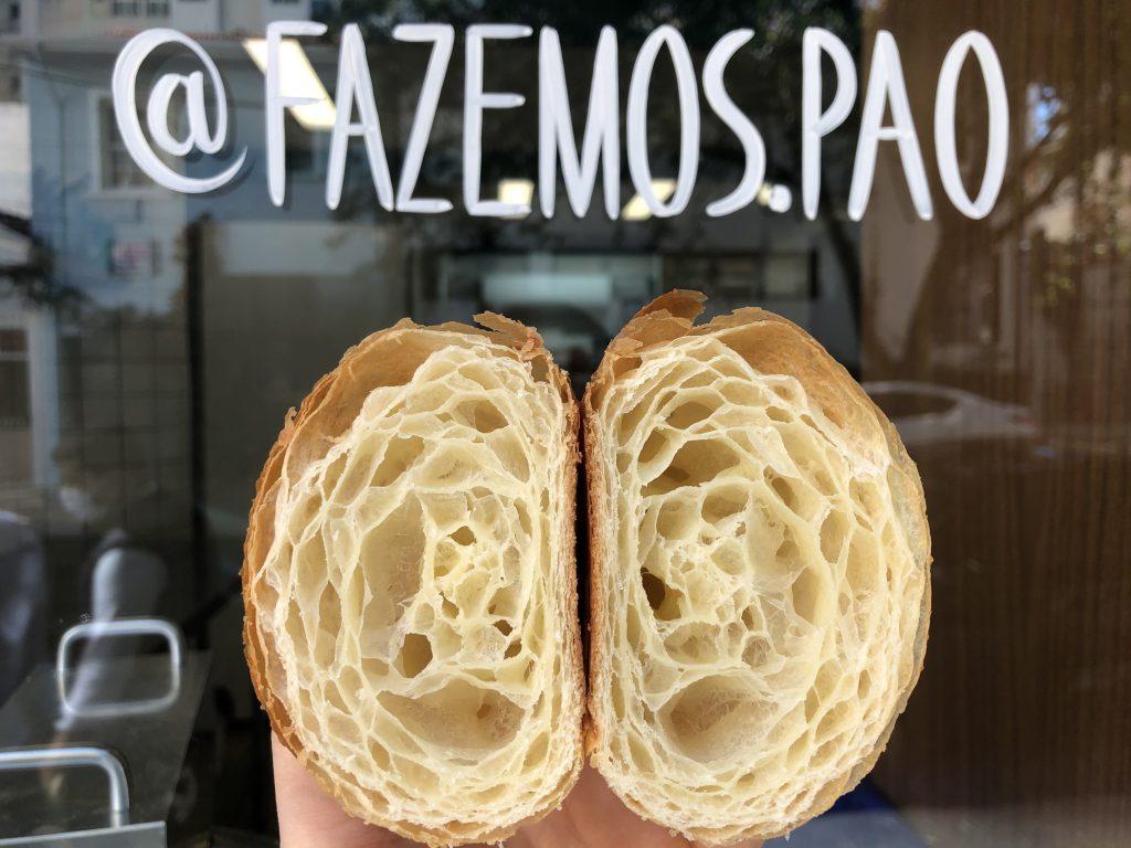O croissant arte da Fazemos Pão, uma das melhores padarias de SP.
