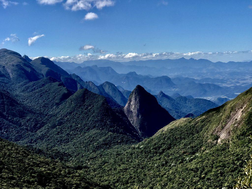 A Travessia Cobiçado x Ventania faz parte do Parque Nacional da Serra dos Órgãos (Foto: Luciana Guilliod)