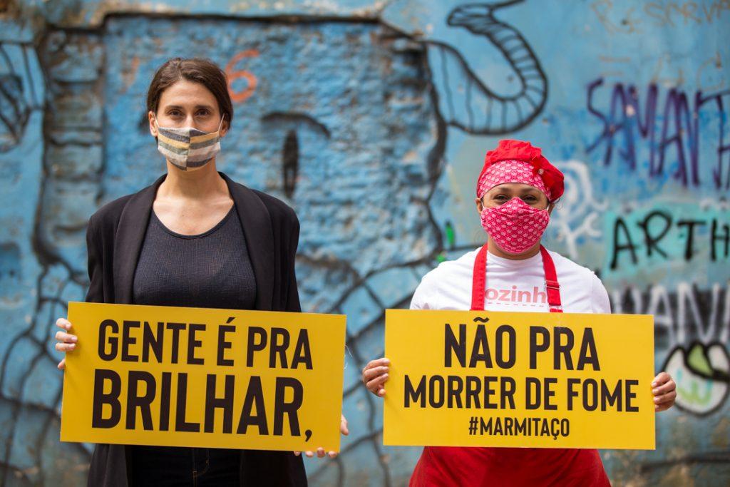 Paola Carosella e Sônia Barreto (Ocupação 9 de Julho) apoiam a ação - foto: Fellipe Abreu