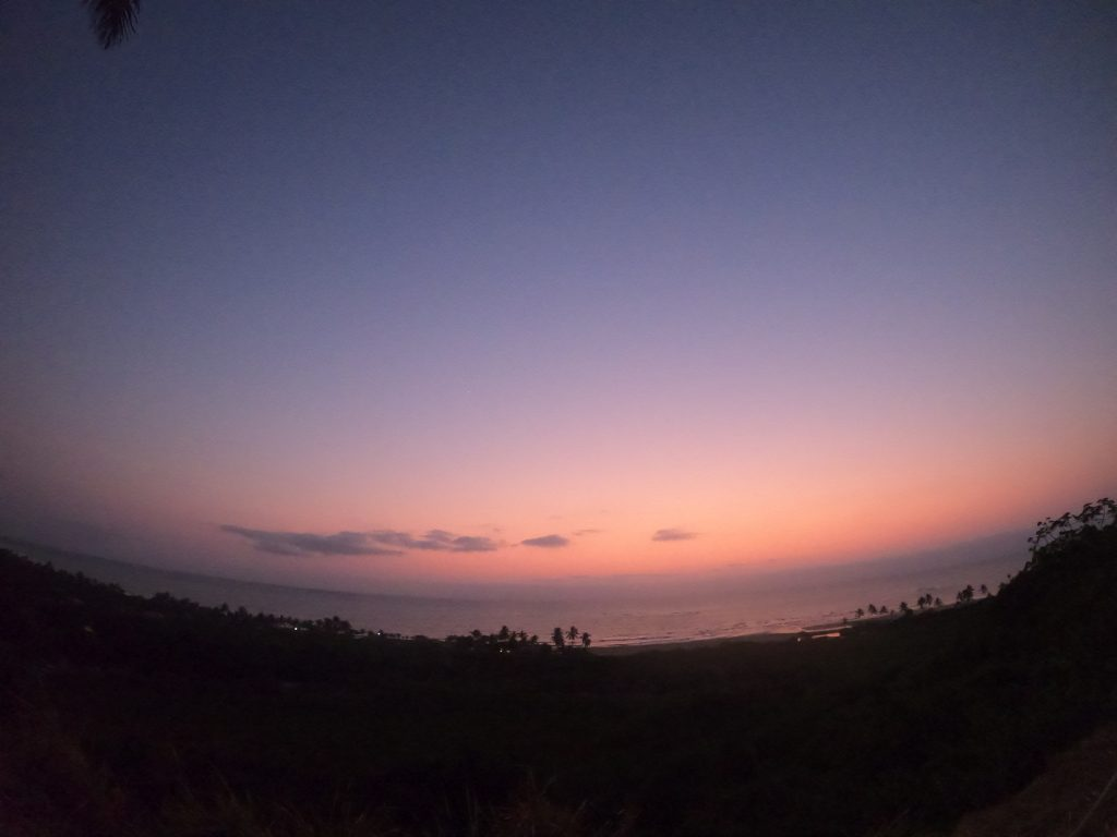 O nascer do sol em Trancoso, na Bahia (foto: Luciana Guilliod)