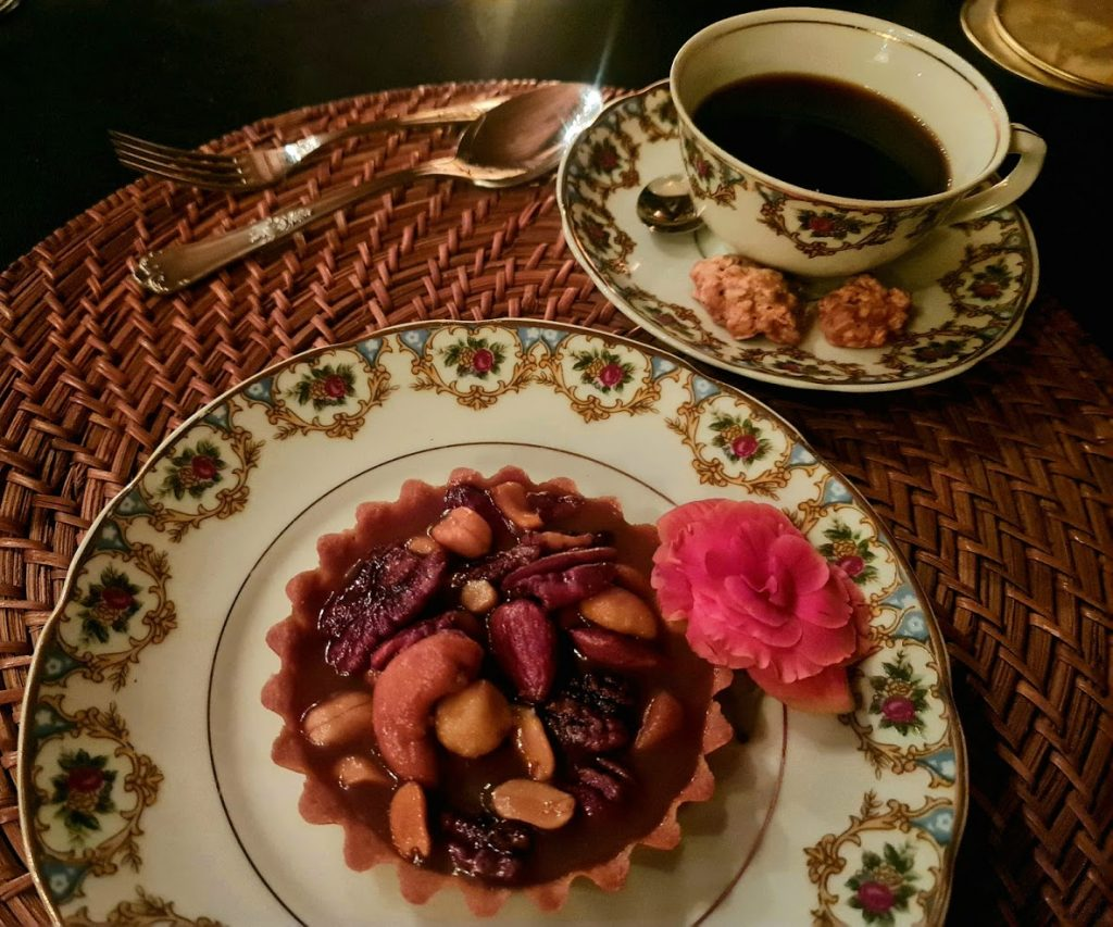Torta Toffee e chá para fechar o jantar.