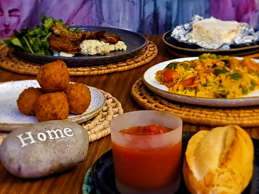 Hospedaria, um dos restaurantes brasileiros que entrega um menu completo na tua casa.