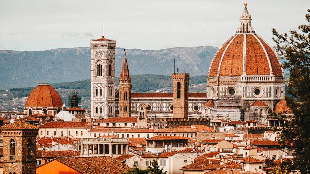 Firenze e a Duomo, na região da Toscana, na Itália