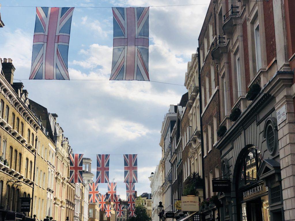Piccadilly e o símbolo da Union Jack
