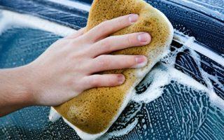 Cómo Lavar un Carro en Casa