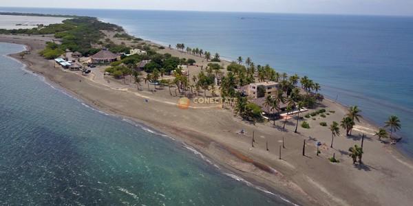 Playa Punta Salinas