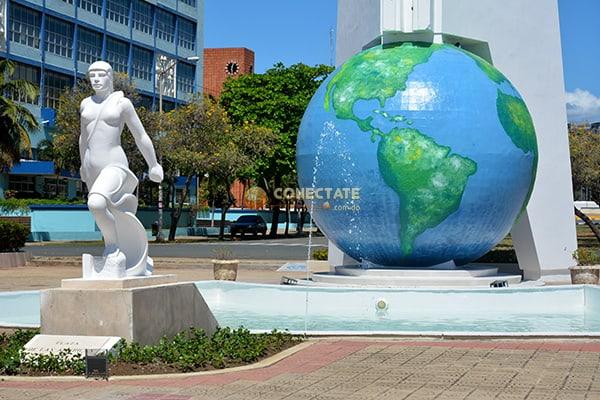 Parque Centro de Los Heroes