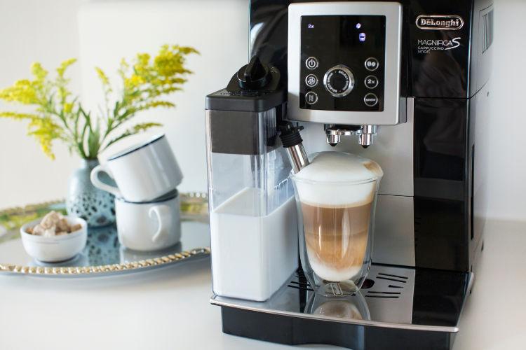 De'Longhi Magnifica S Smart Espresso/Cappuccino Machine