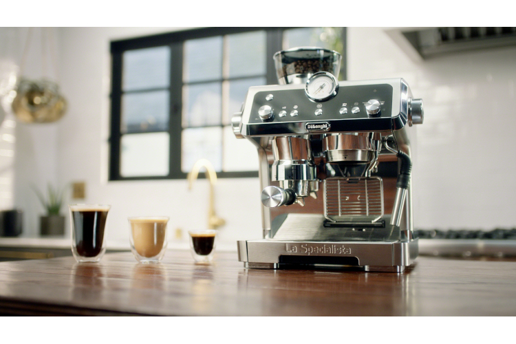 De'Longhi La Specialista Espresso Machine with Dual Heating System