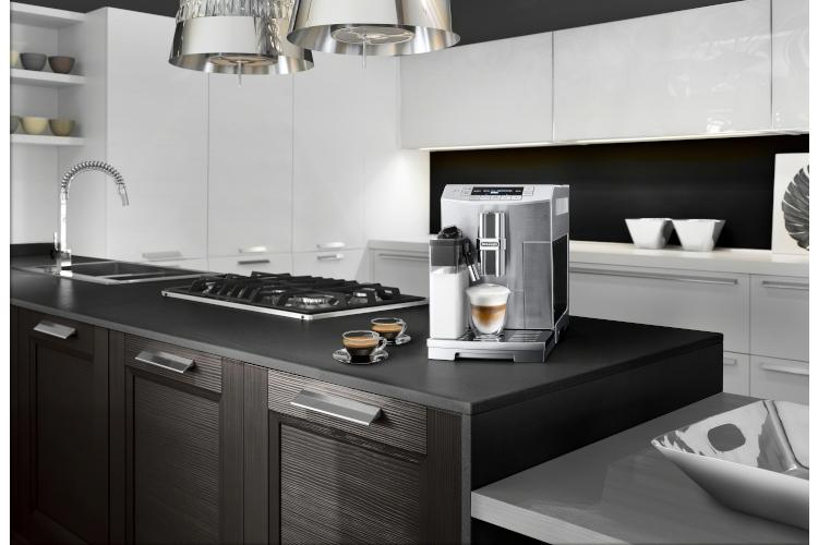 De'Longhi PrimaDonna S Automatic Espresso Machine with LatteCrema System