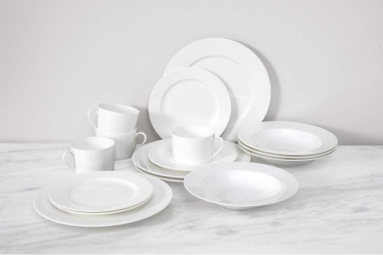 Fortessa® Gourmet Essentials 16-Piece Classic Rim Dinnerware Set