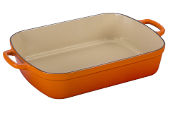 Le Creuset Signature Cast Iron 5.25 Quart Roaster - Flame