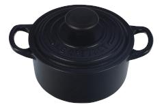 Le Creuset Signature 1 Quart Round Oven - Matte Black