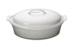 Le Creuset Stoneware Heritage 4 Quart Covered Oval Casserole - White