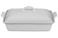 Le Creuset Stoneware Heritage 4 Quart Covered Rectangular Casserole - White