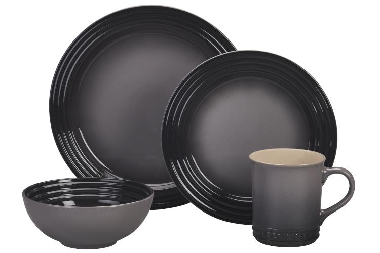 Le Creuset Stoneware 16-Piece Dinnerware Set - Oyster