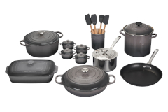 Le Creuset 20-Piece Mixed Material Cookware Set- Oyster