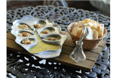 The Le Petite Oyster Bed