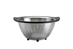 OXO Good Grips 5 Quart Stainless-Steel Colander