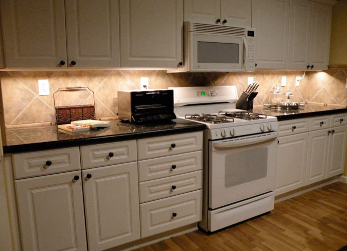 Under Cabinet LED Lighting Using LED Modules DIY LED Projects - Undermount lighting for kitchen cabinets
