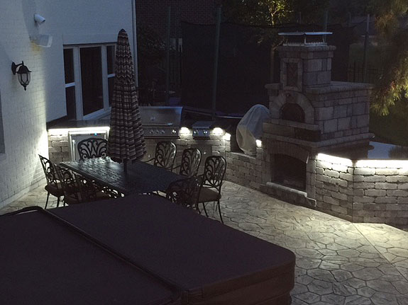 Waterproof White Led Strip Lights Are Used On This Outdoor