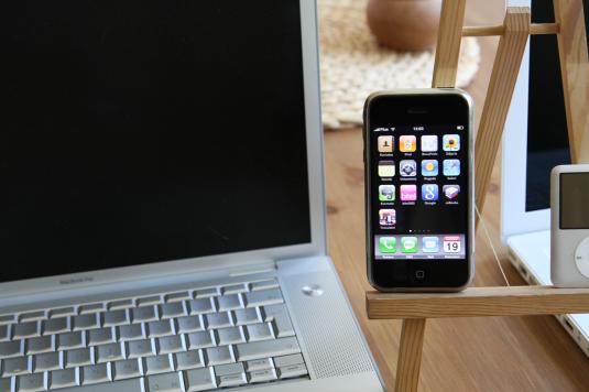 mobile vs. laptop