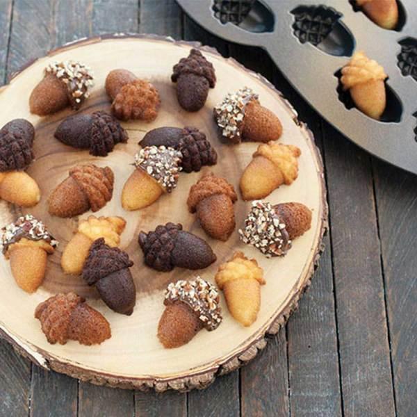 SALE!!  Acorn Cakelet Pan - Nordic Ware