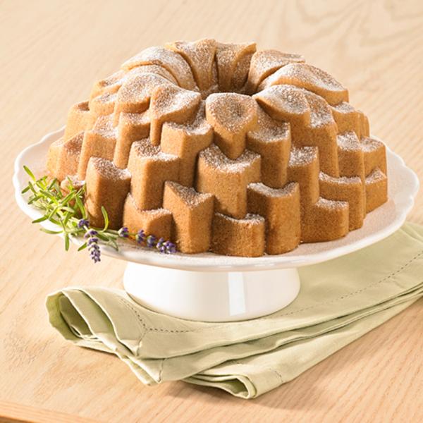 Blossom Bundt Pan - Nordic Ware