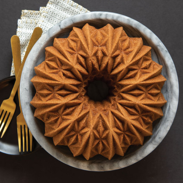 Cut Crystal Bundt Pan - Nordic Ware